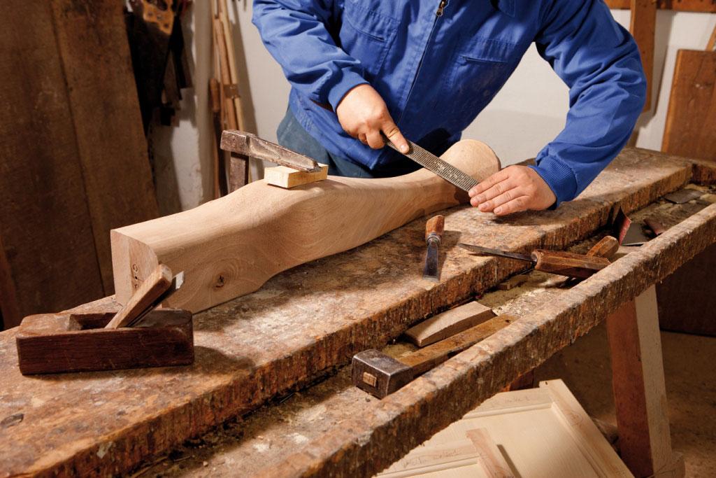 proceso de fabricación artesanal mueble clásico