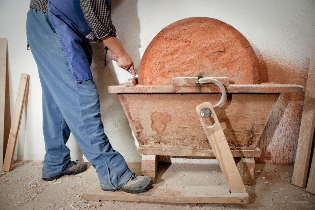 elaboración artesanal muebles clasicos